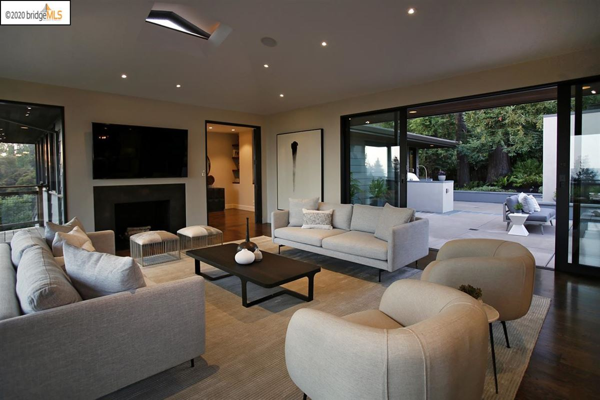tranquil mid-century modern residence luxury real estate
