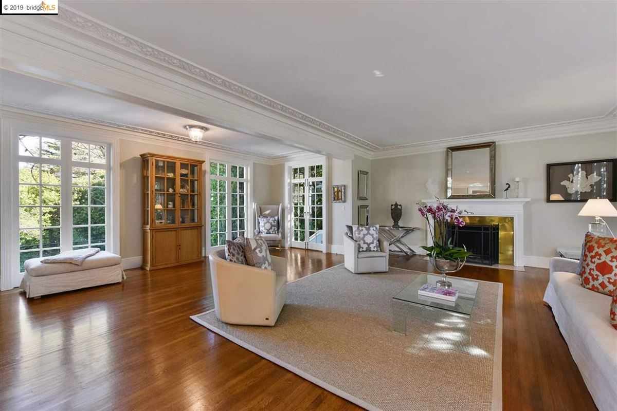 Stunning Albert Farr traditional home luxury real estate