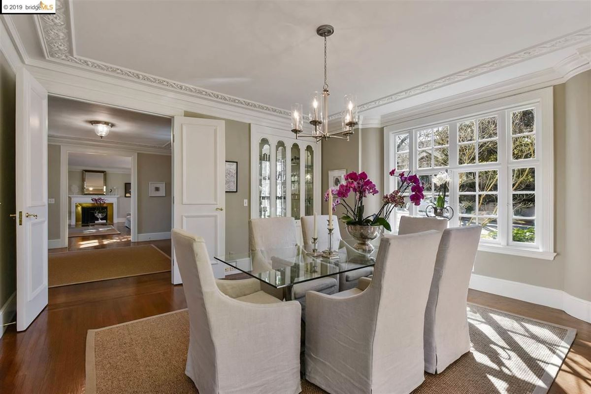 Stunning Albert Farr traditional home mansions
