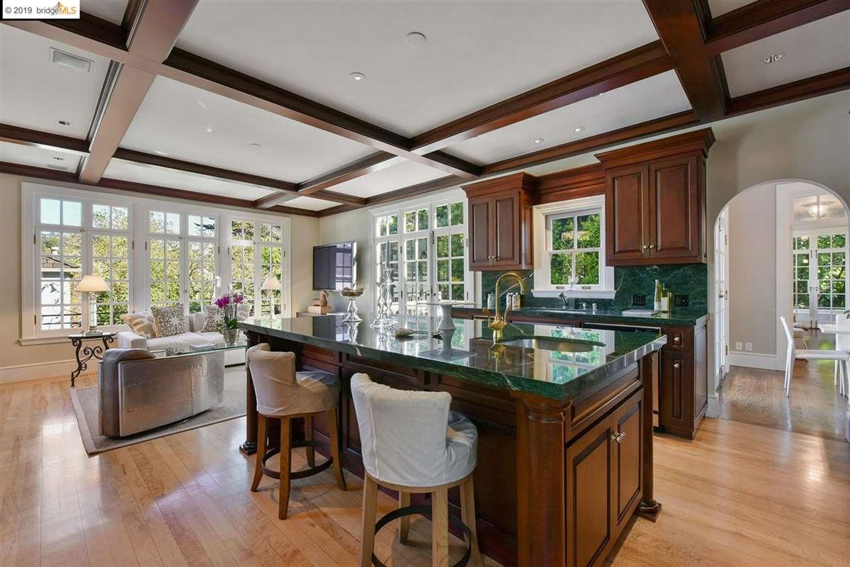 Luxury homes in Stunning Albert Farr traditional home