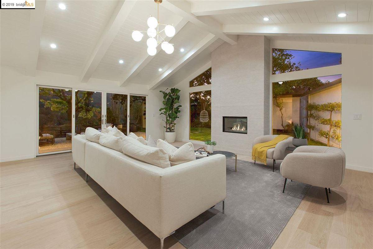 Luxury properties Handsome Mid-Century Modern home