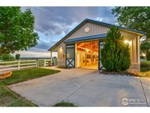 rare 68-acre lifestyle property luxury homes