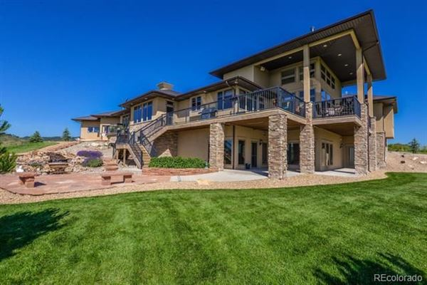 Stunning home includes a Private courtyard with pool/spa luxury homes
