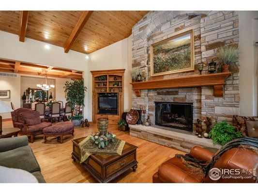 a true estate in Fort Collins luxury homes