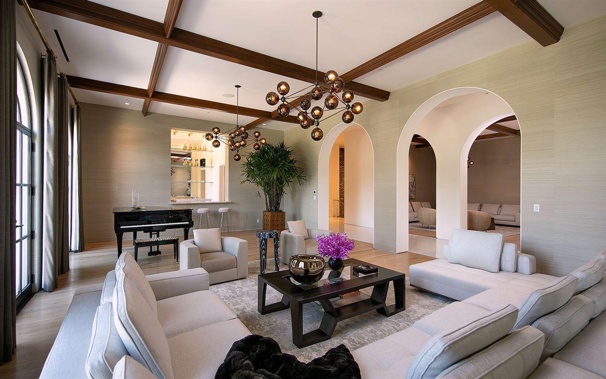Luxury properties Three Hundred Thirty