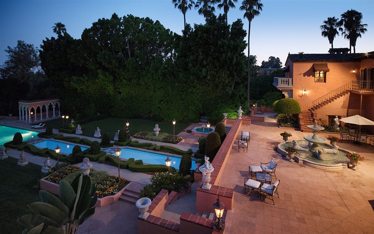 Luxury properties The Beverly House