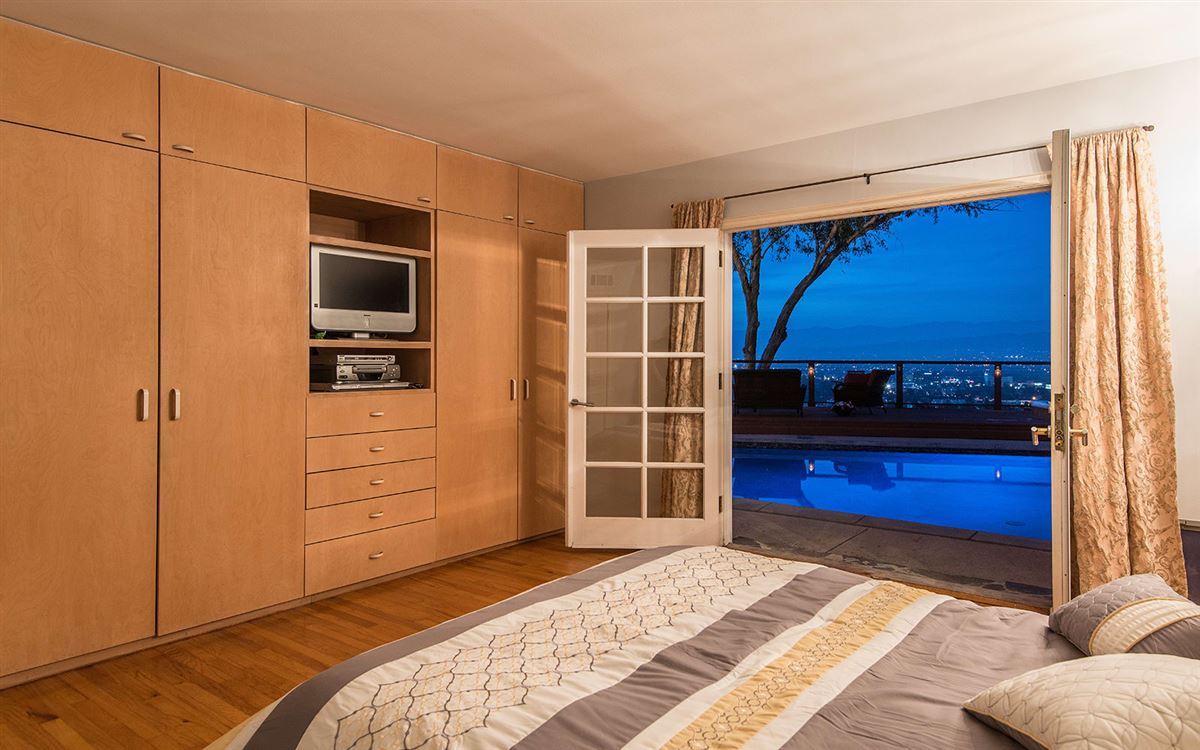 Luxury real estate view property in the hills of Studio City