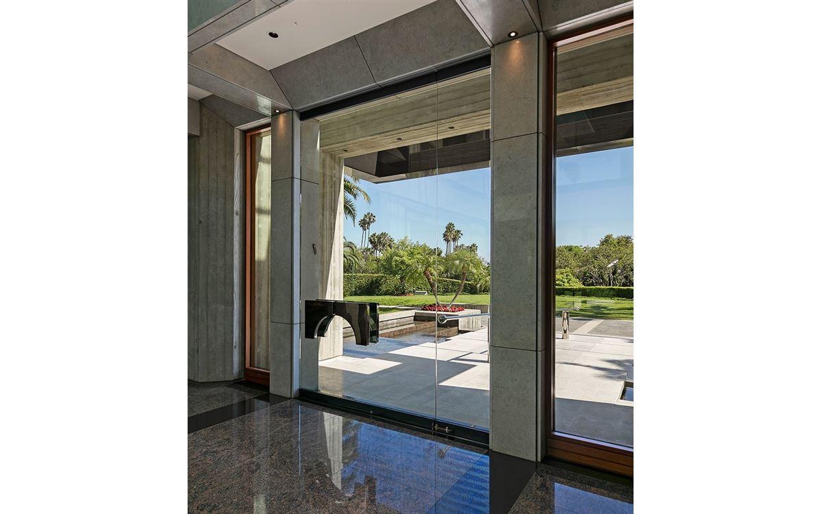 Luxury homes The Glazer Estate