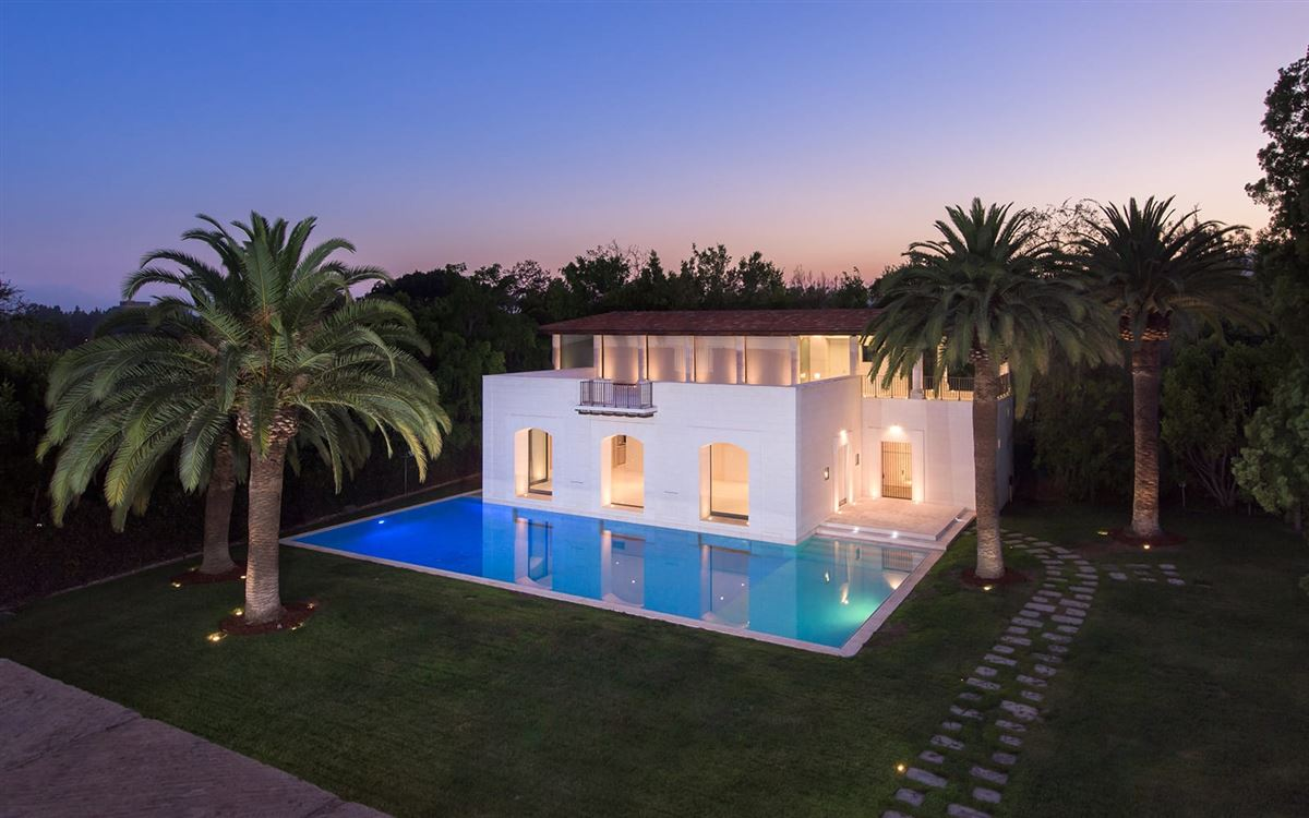 Luxury properties iconoclastic Holmby Hills compound