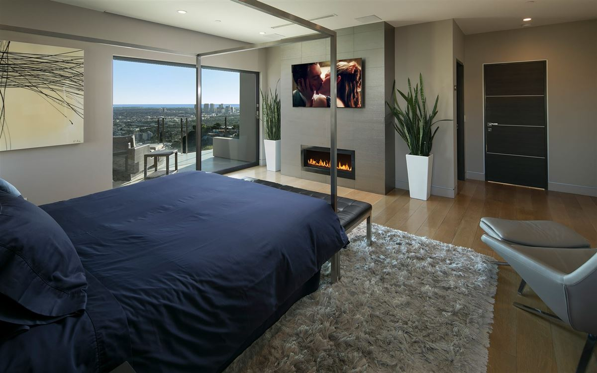 modern smart home with spectacular views luxury homes