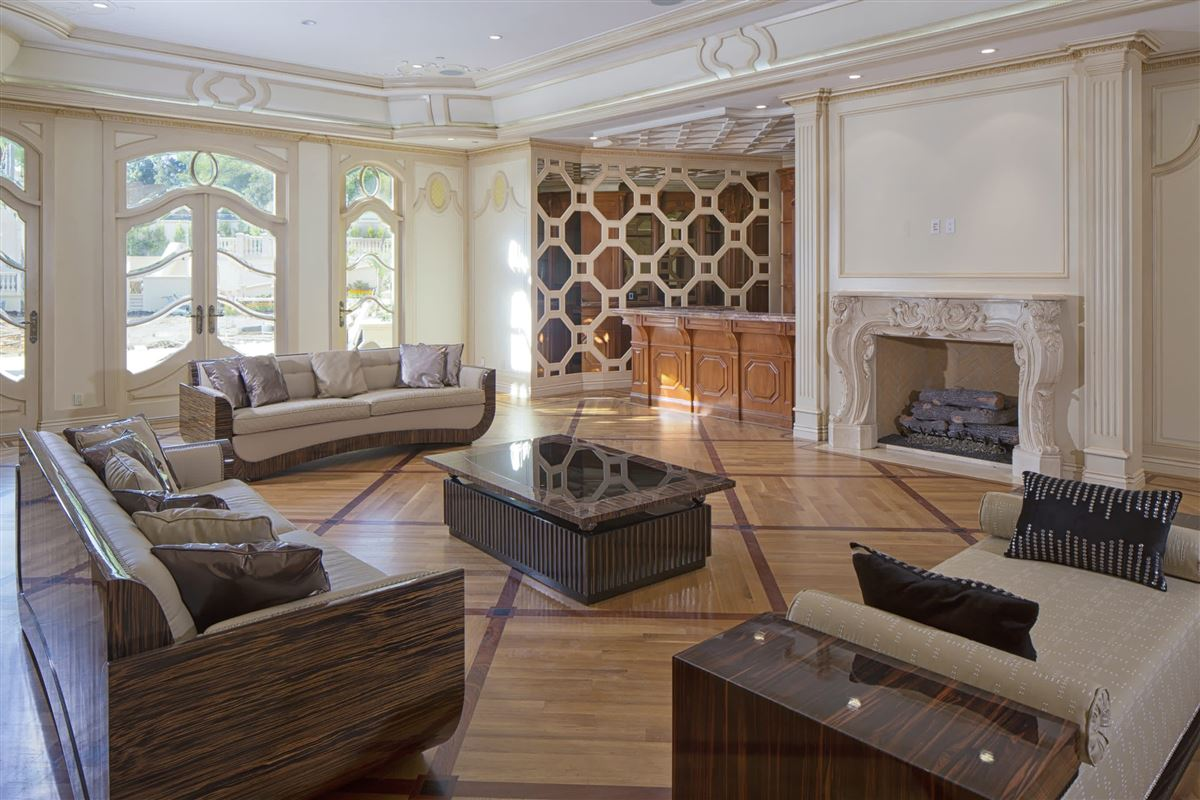 An estate of incomparable grandeur and palatial elegance luxury homes