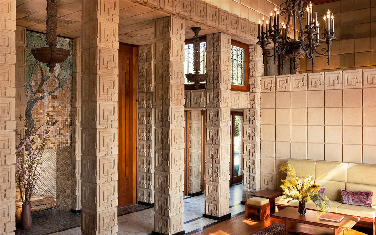 Luxury real estate The ENNIS HOUSE in los angeles