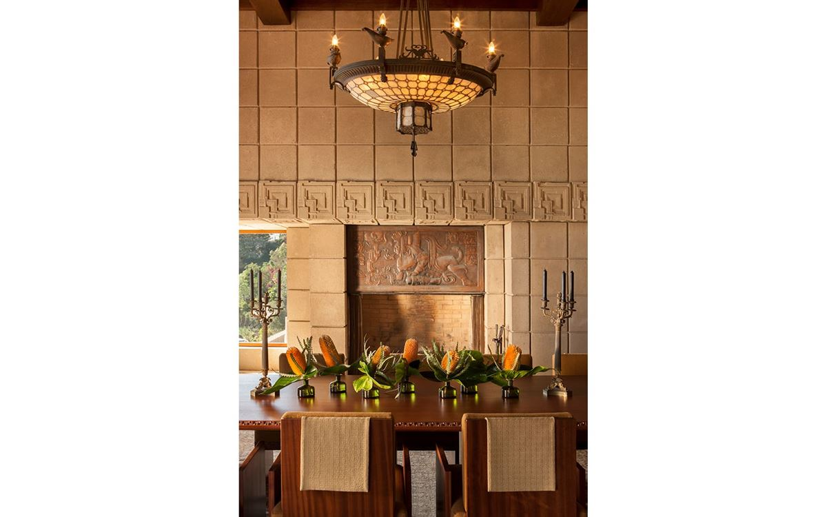 The ENNIS HOUSE in los angeles mansions