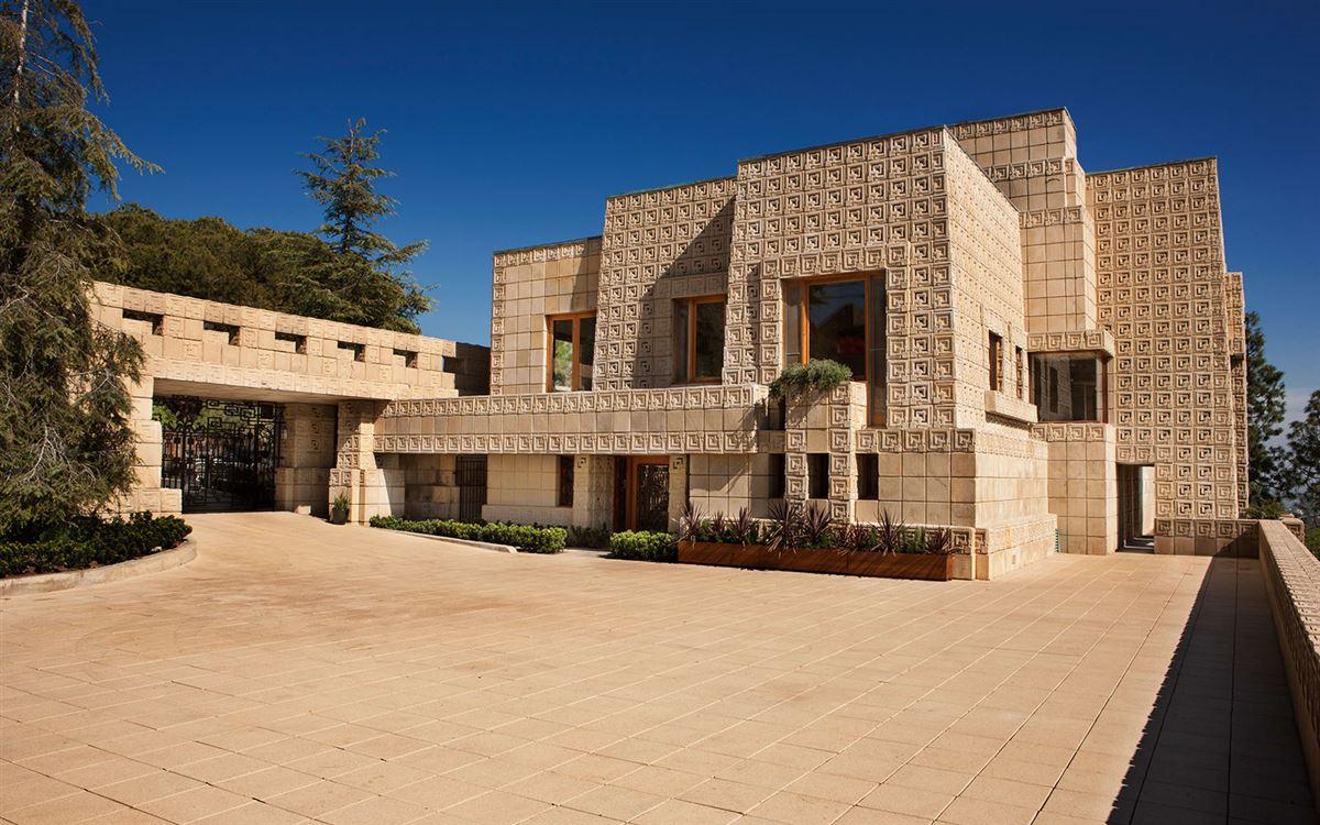 Luxury properties The ENNIS HOUSE in los angeles