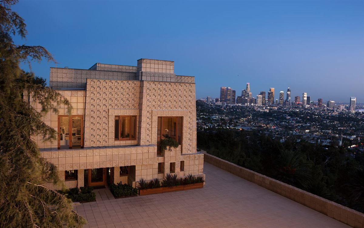 Mansions The ENNIS HOUSE in los angeles