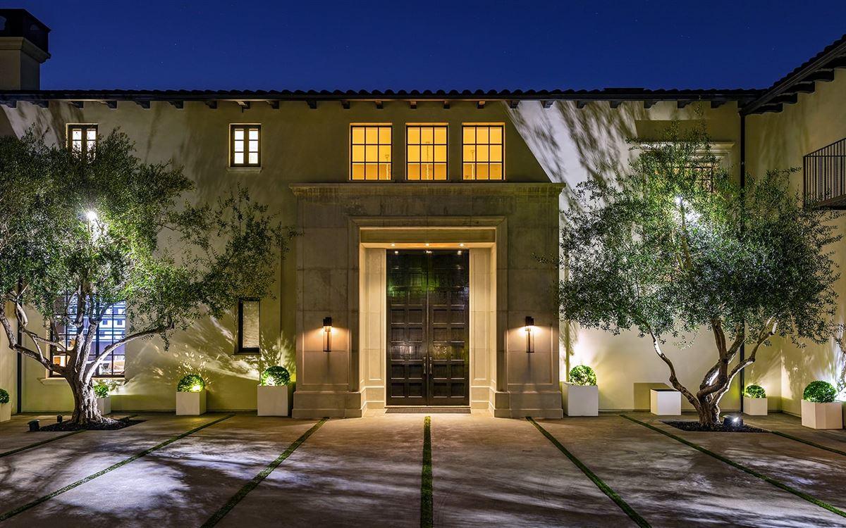 Luxury homes Estate on Billionaires Row