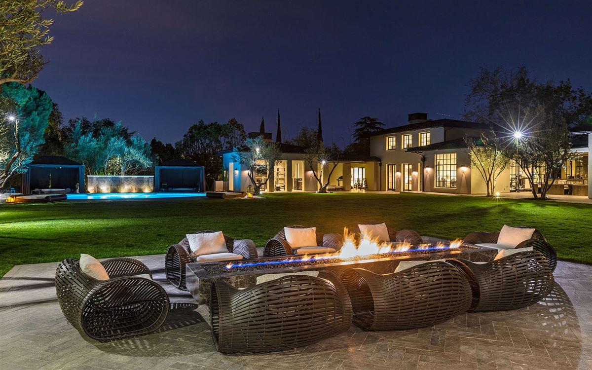 Luxury real estate Estate on Billionaires Row