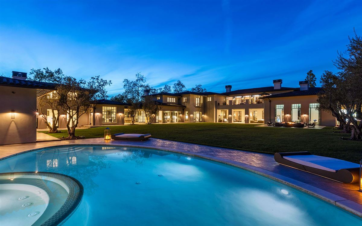 Luxury properties Estate on Billionaires Row