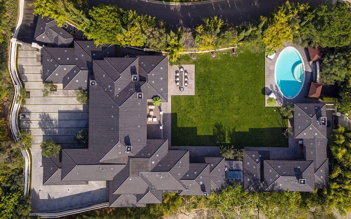 Estate on Billionaires Row luxury properties