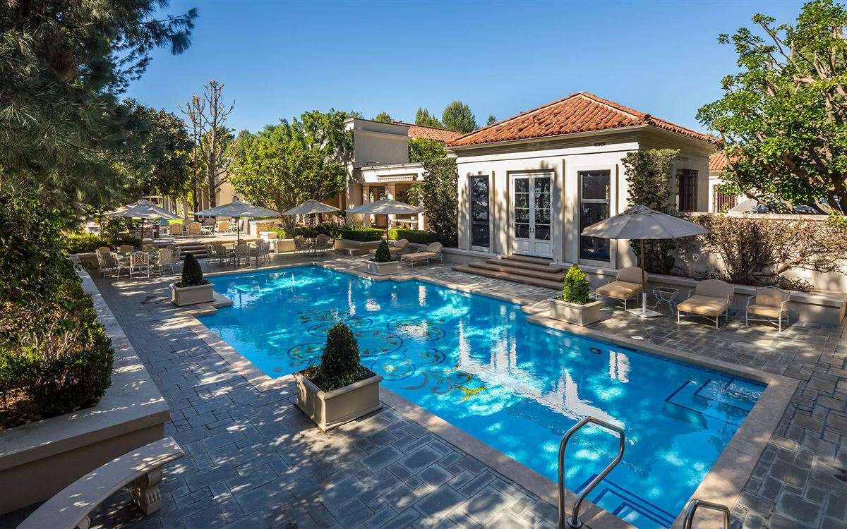 a Beverly Hills Mountaintop Estate luxury homes