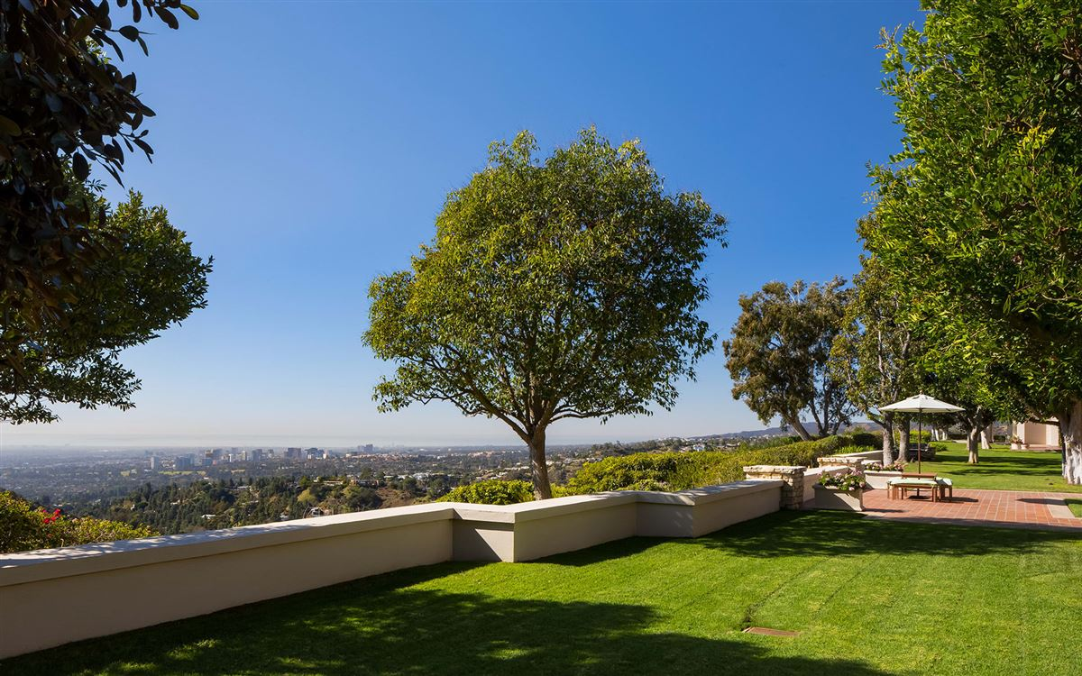 a Beverly Hills Mountaintop Estate luxury real estate