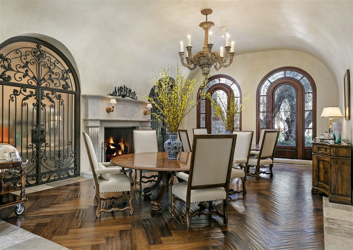 Luxury properties The Mapleton Villa