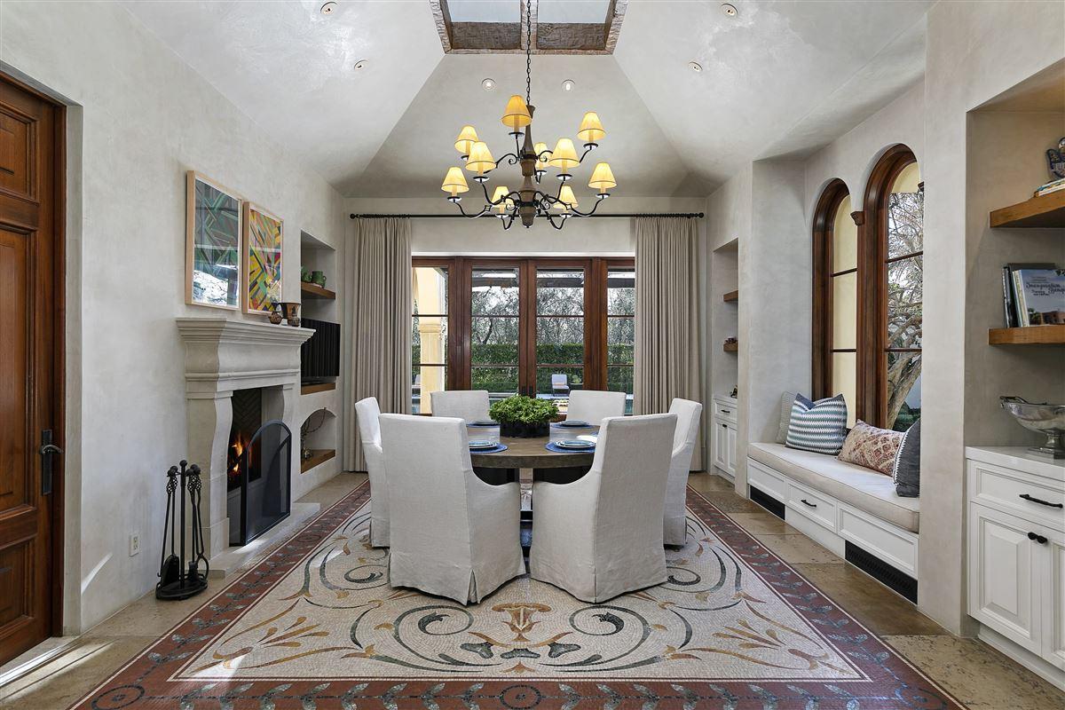 Mansions in The Mapleton Villa