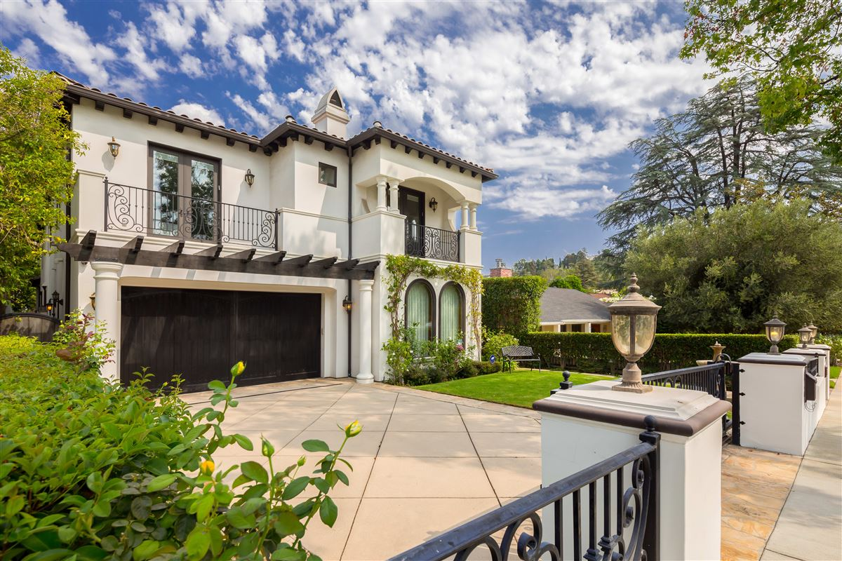 Sophistication Meets Luxury In This Spanish Estate