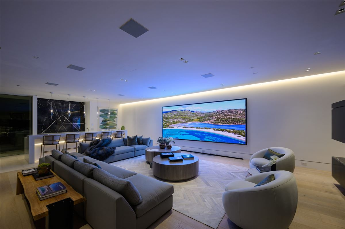 Luxury homes in The Orchard Bel Air