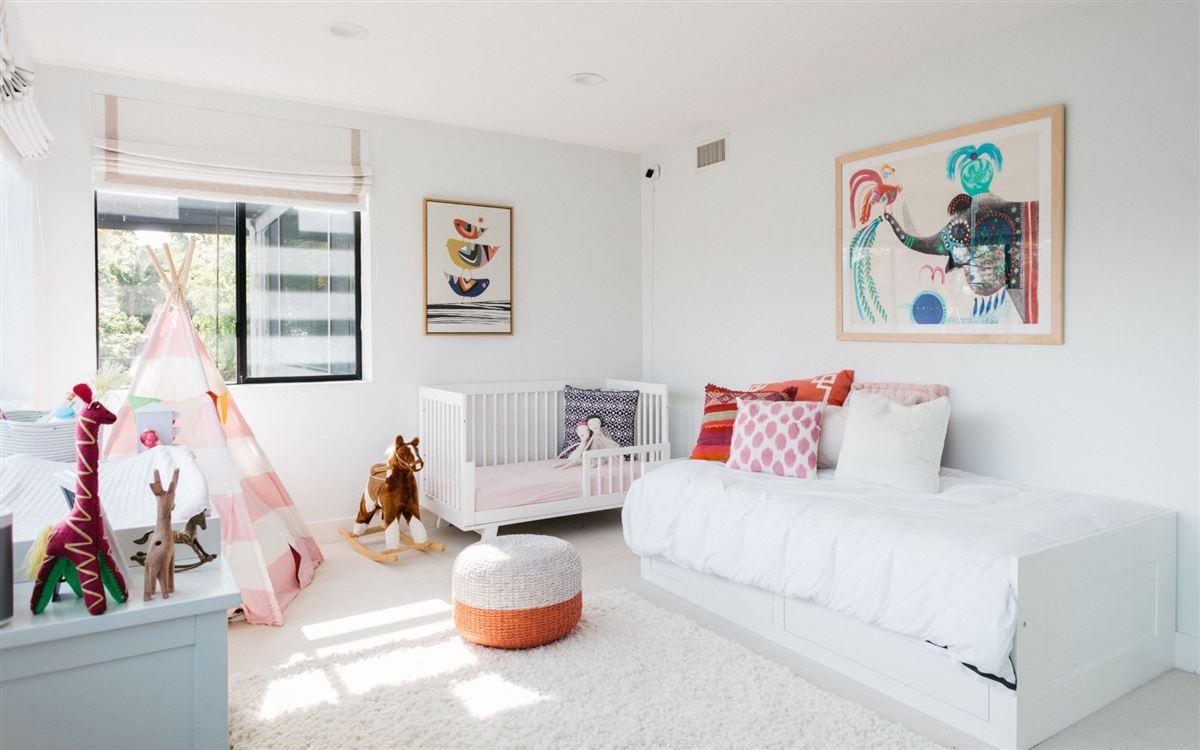 Luxury homes in brilliant Venice contemporary