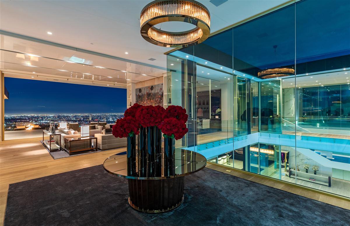 Luxury homes in modern Shangri-La in Trousdale