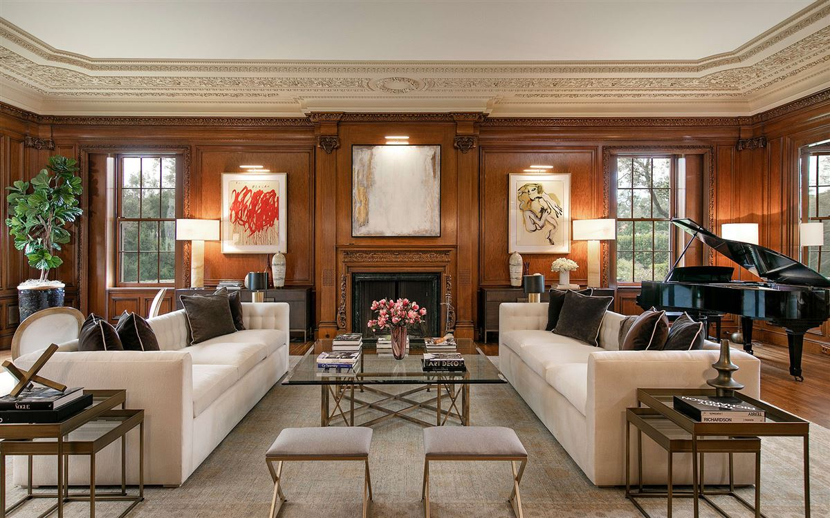 Luxury real estate 10 acres in the heart of Holmby Hills