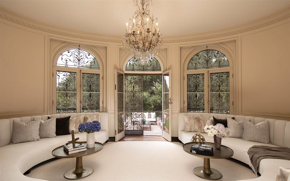 Luxury properties 10 acres in the heart of Holmby Hills