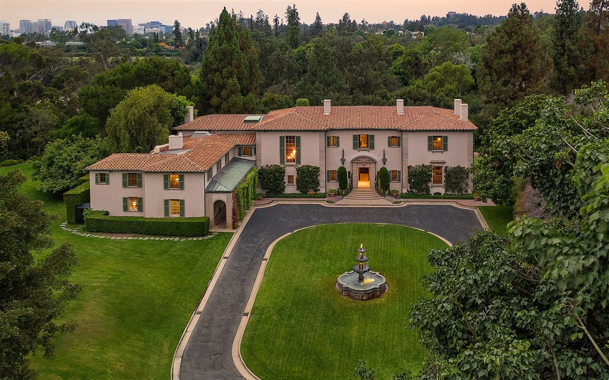 10 acres in the heart of Holmby Hills luxury properties