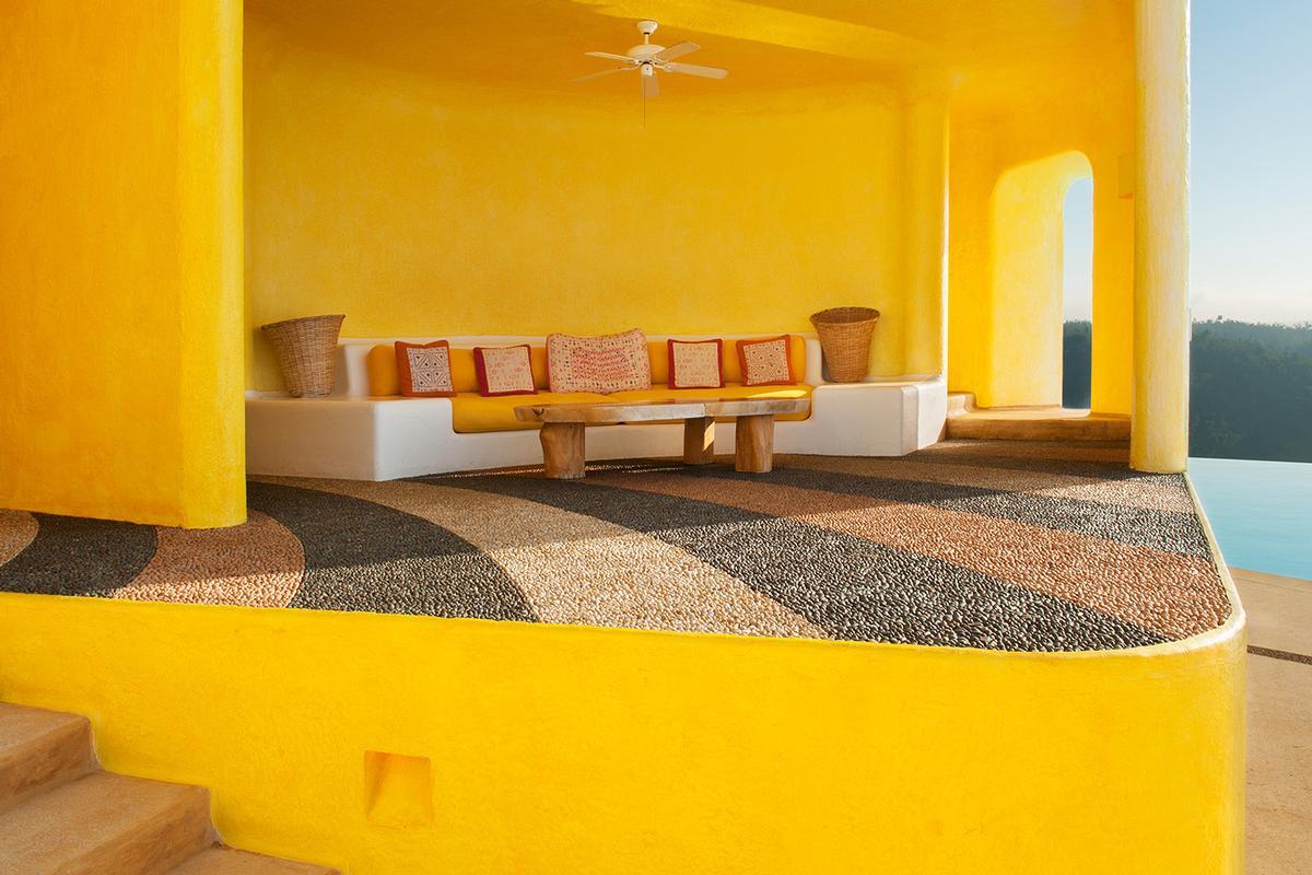 Sol De Oriente luxury homes