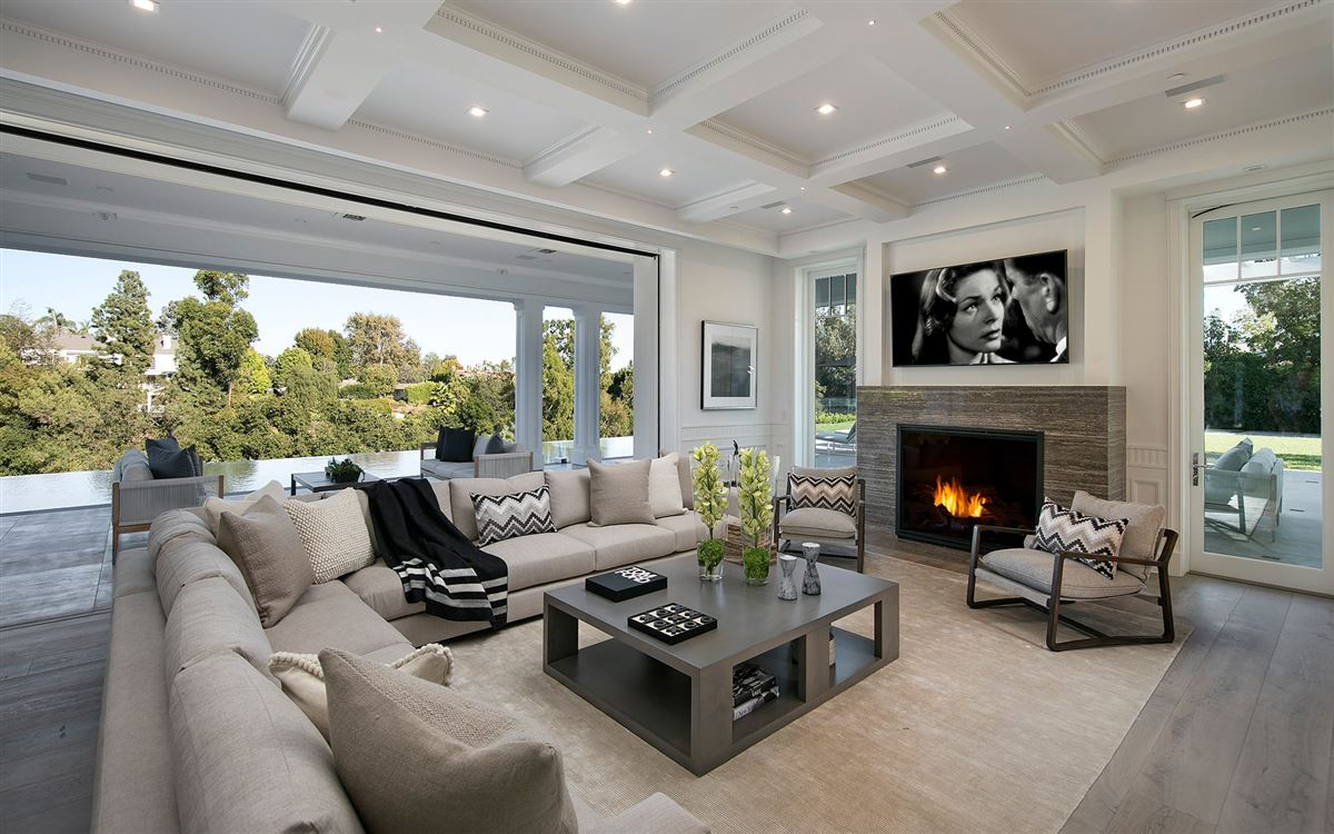 Exclusive East Coast Traditional Estate luxury real estate