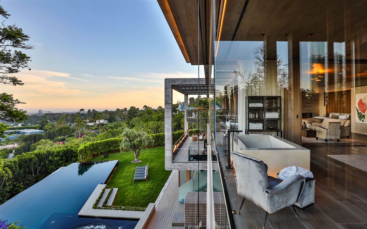 Luxury real estate an Extraordinary Property