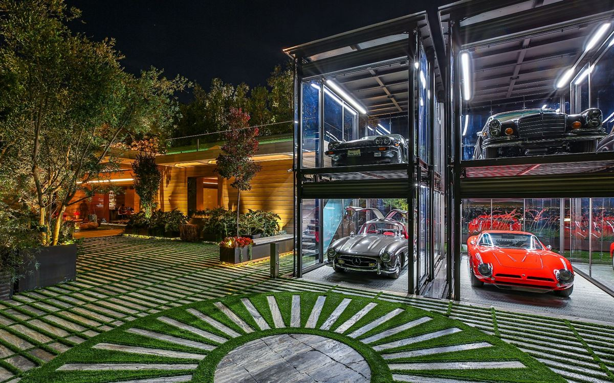 Luxury homes in an Extraordinary Property
