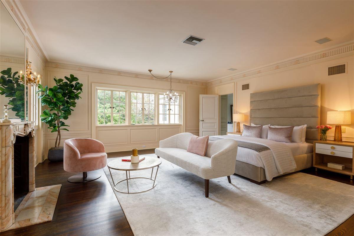 Luxury homes in Brooklawn