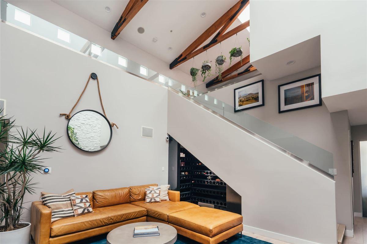 Live the Venice Beach lifestyle luxury homes