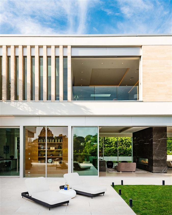 Luxury homes the pinnacle of splendor and luxury