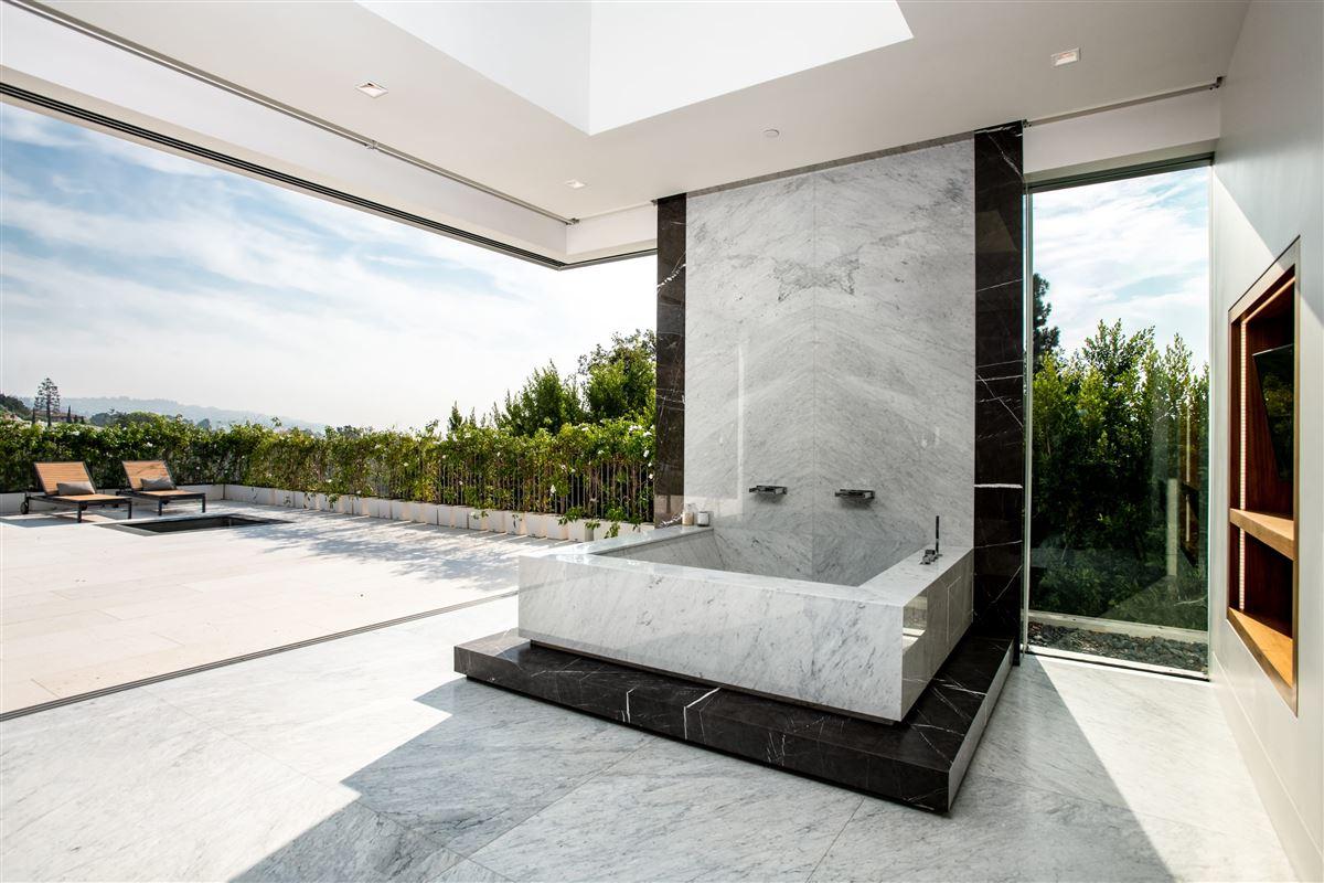 the pinnacle of splendor and luxury luxury real estate