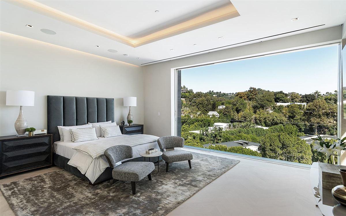 Luxury homes in the pinnacle of splendor and luxury