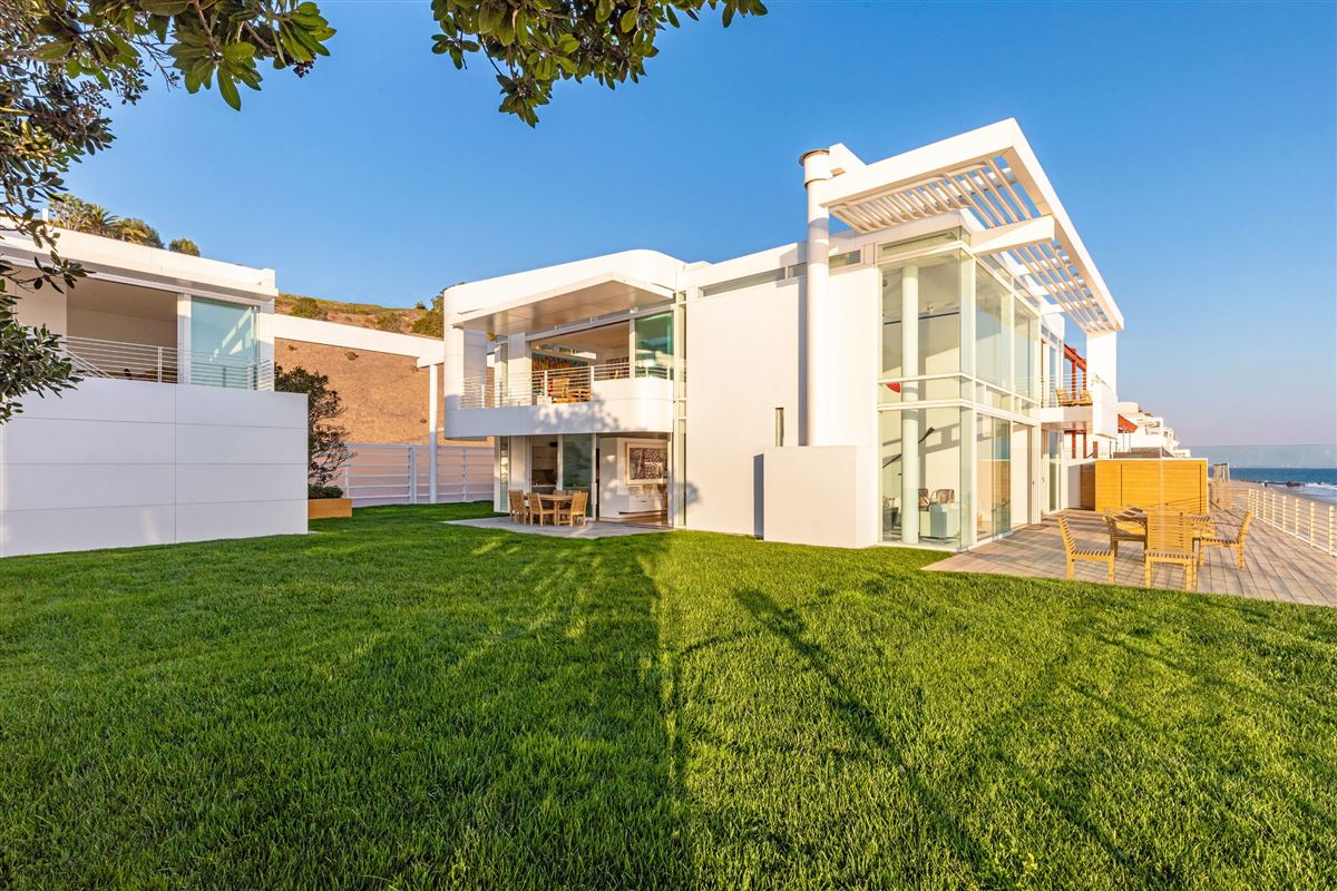 Luxury homes The Broad Estate