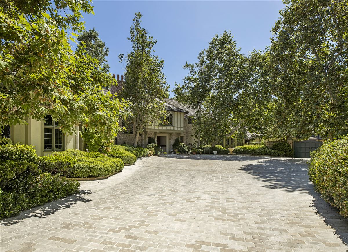 Luxury homes rare and special Beverly Hills estate