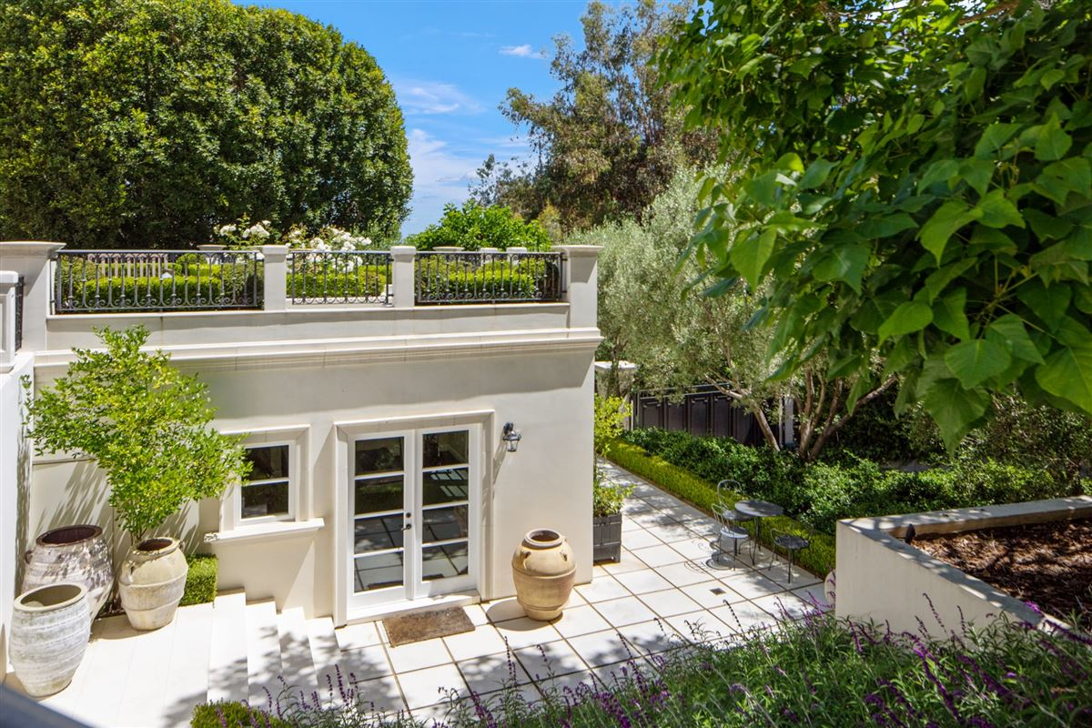 Luxury homes One of the finest examples of Bel-Air living