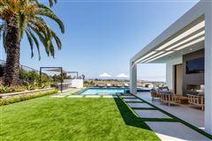 Luxury properties finest newly-finished estate in malibu park