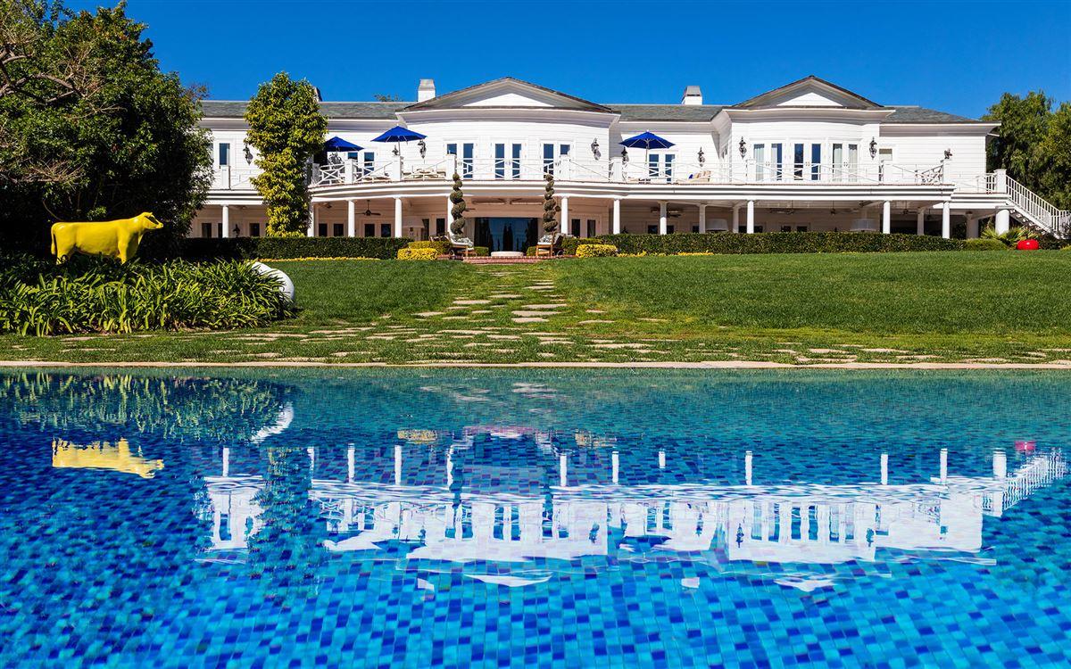 Maison Du Soleil mansions