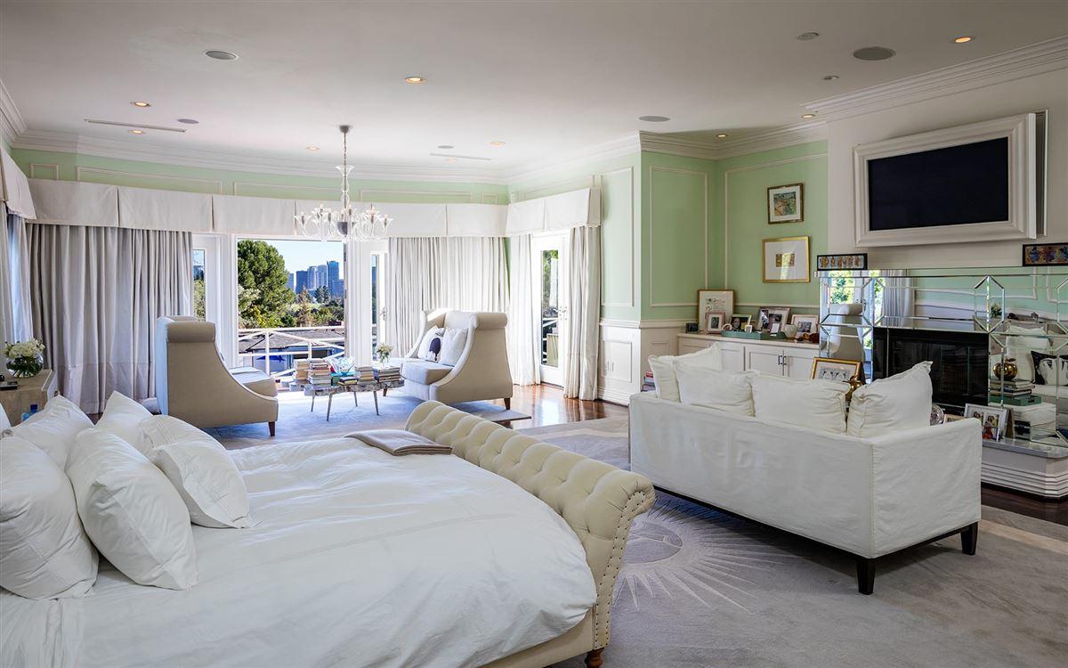 Luxury homes Maison Du Soleil
