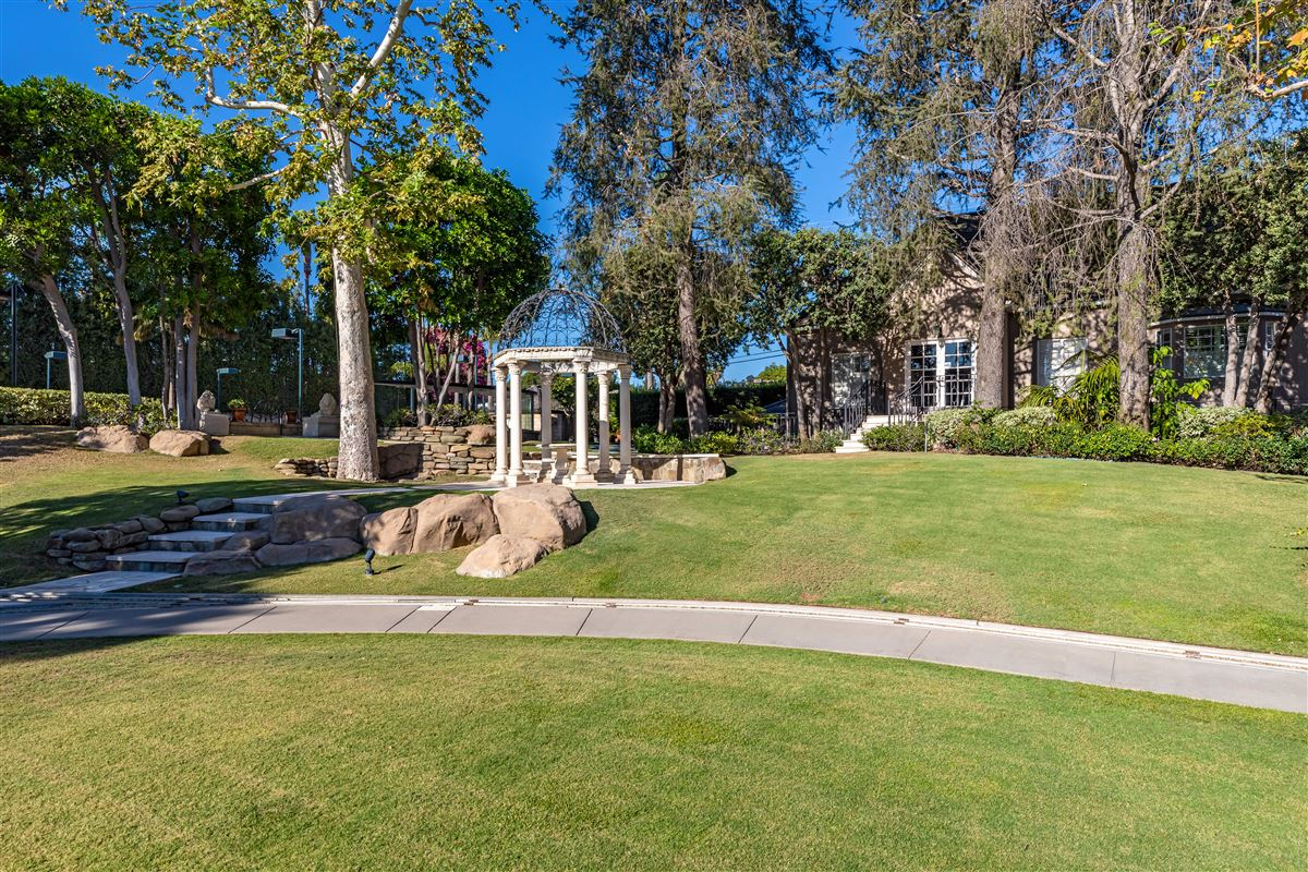 Luxury homes in the largest property in the Beverly Hills Flats
